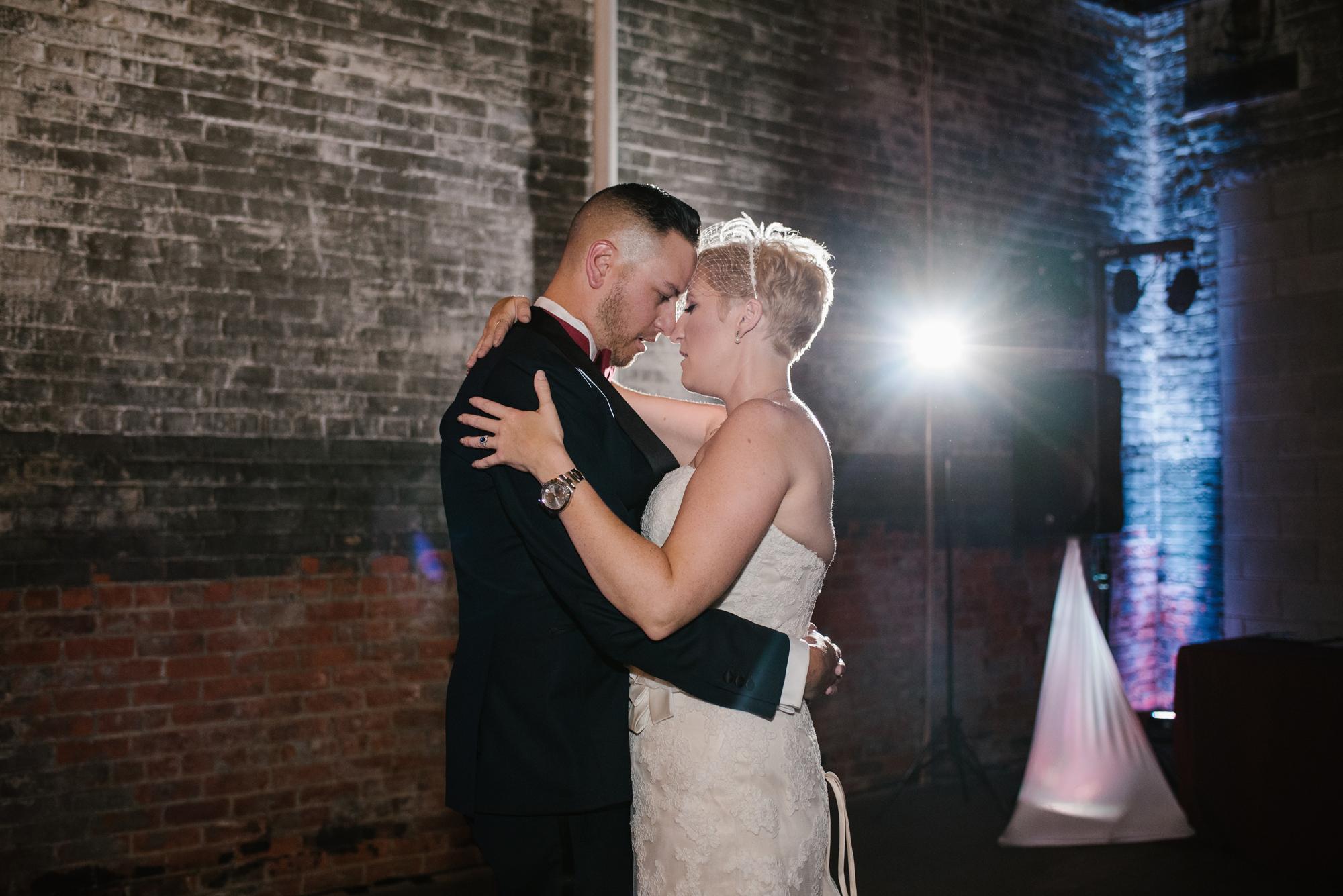 detroit-michigan-eastern-market-loft-wedding-sydney-marie (286).jpg