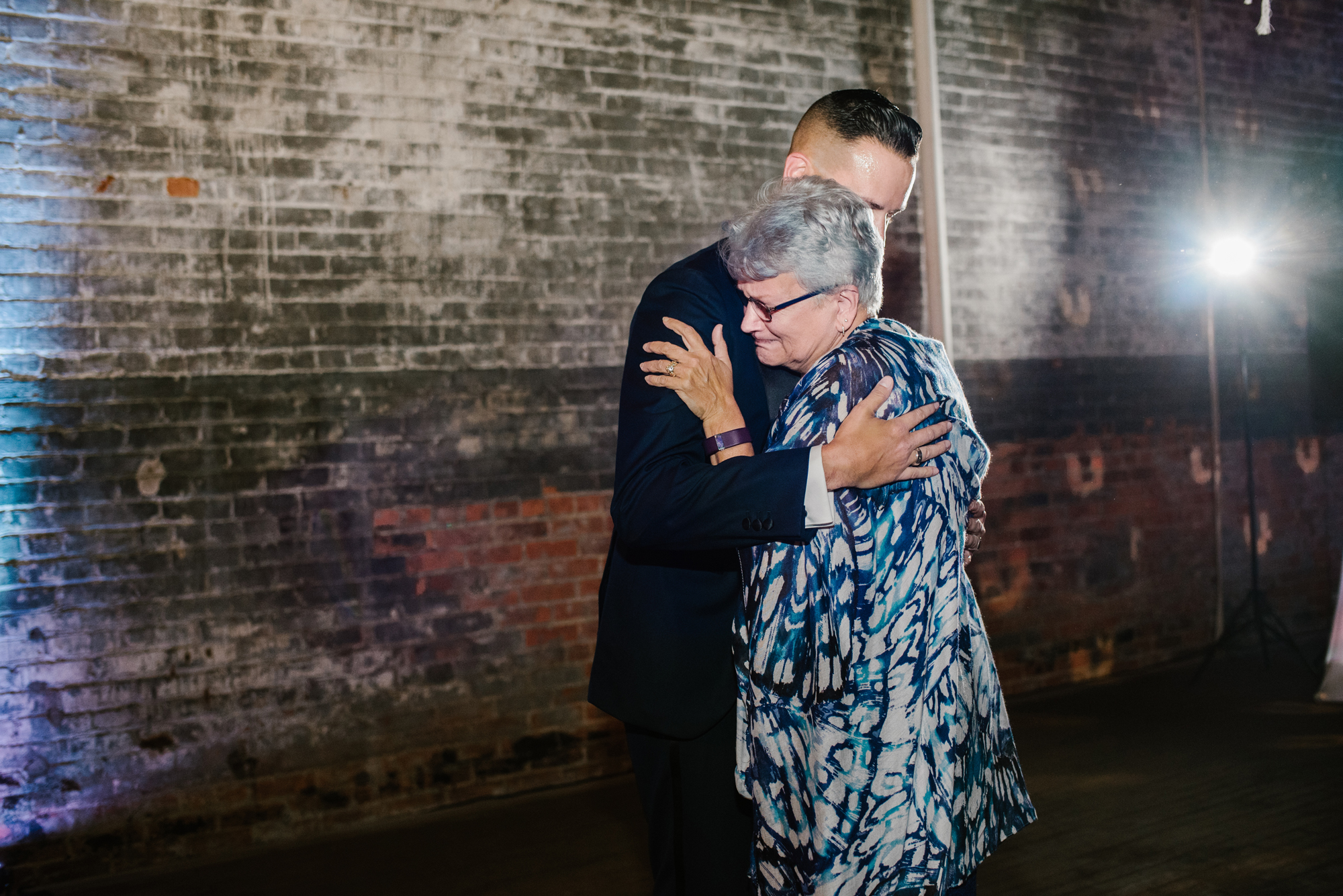 detroit-michigan-eastern-market-loft-wedding-sydney-marie (306).jpg