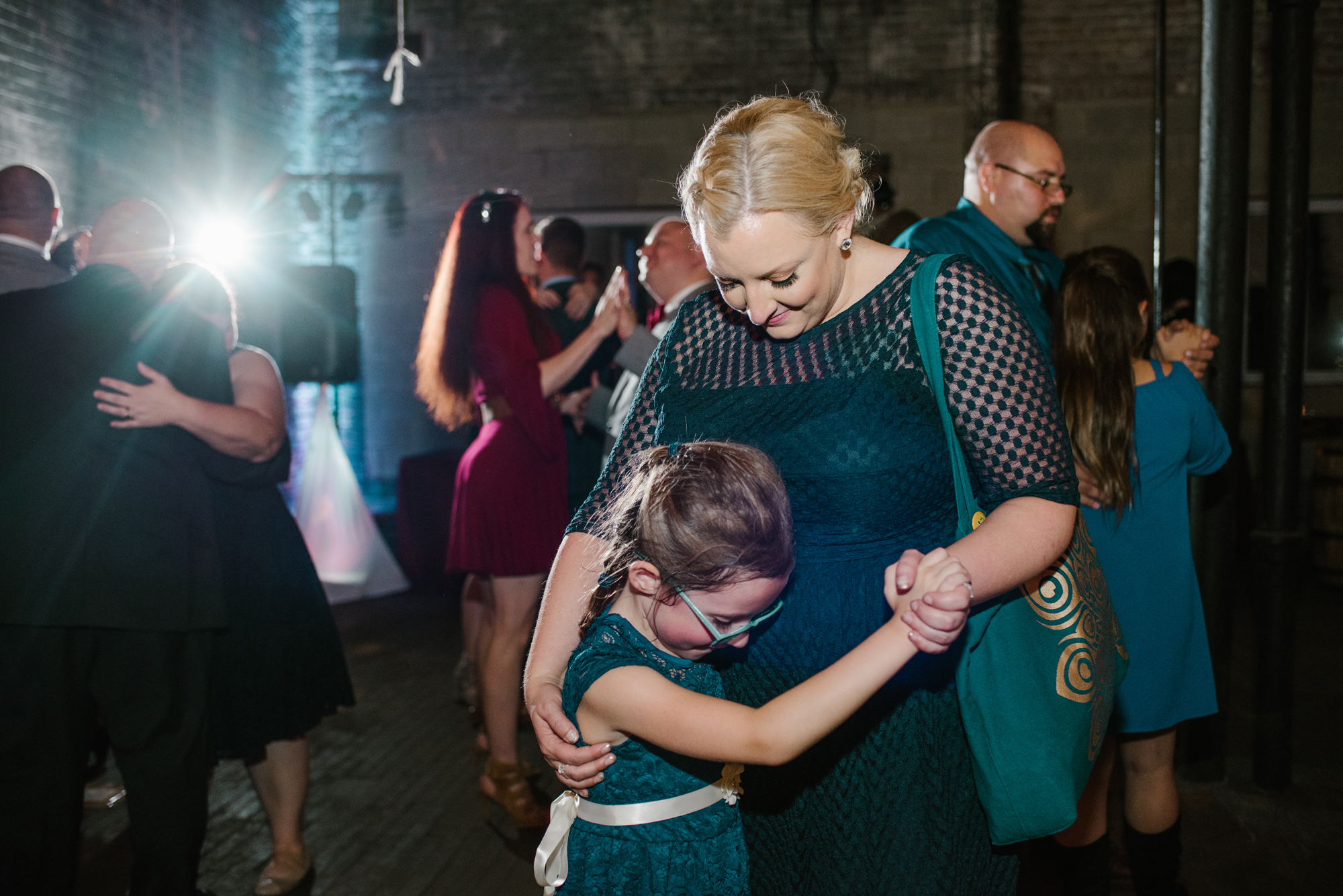detroit-michigan-eastern-market-loft-wedding-sydney-marie (371).jpg