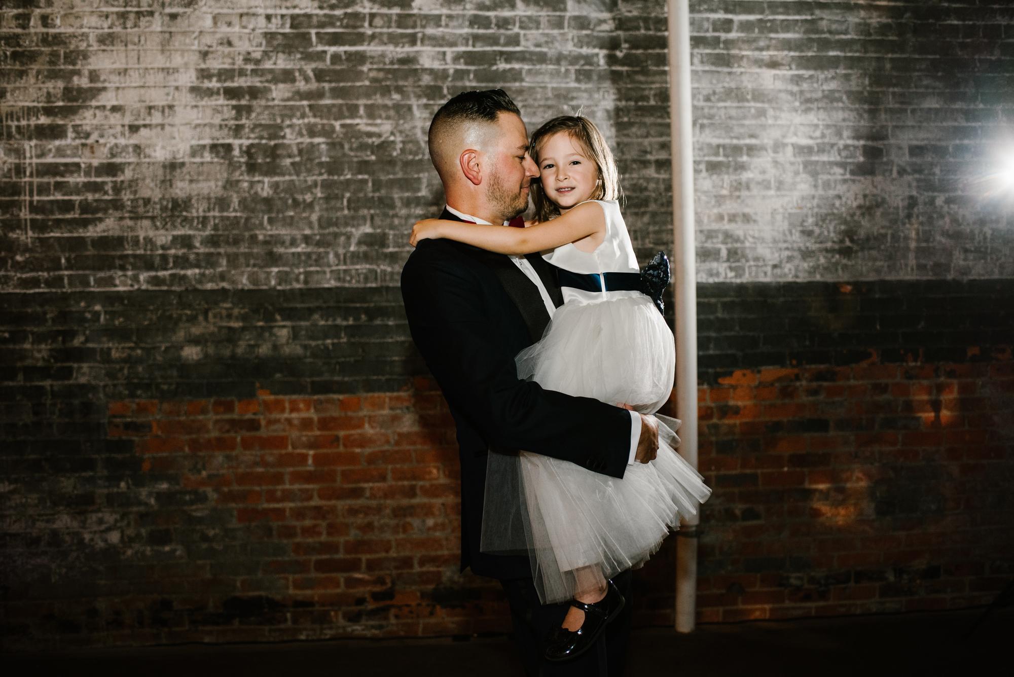 detroit-michigan-eastern-market-loft-wedding-sydney-marie (386).jpg