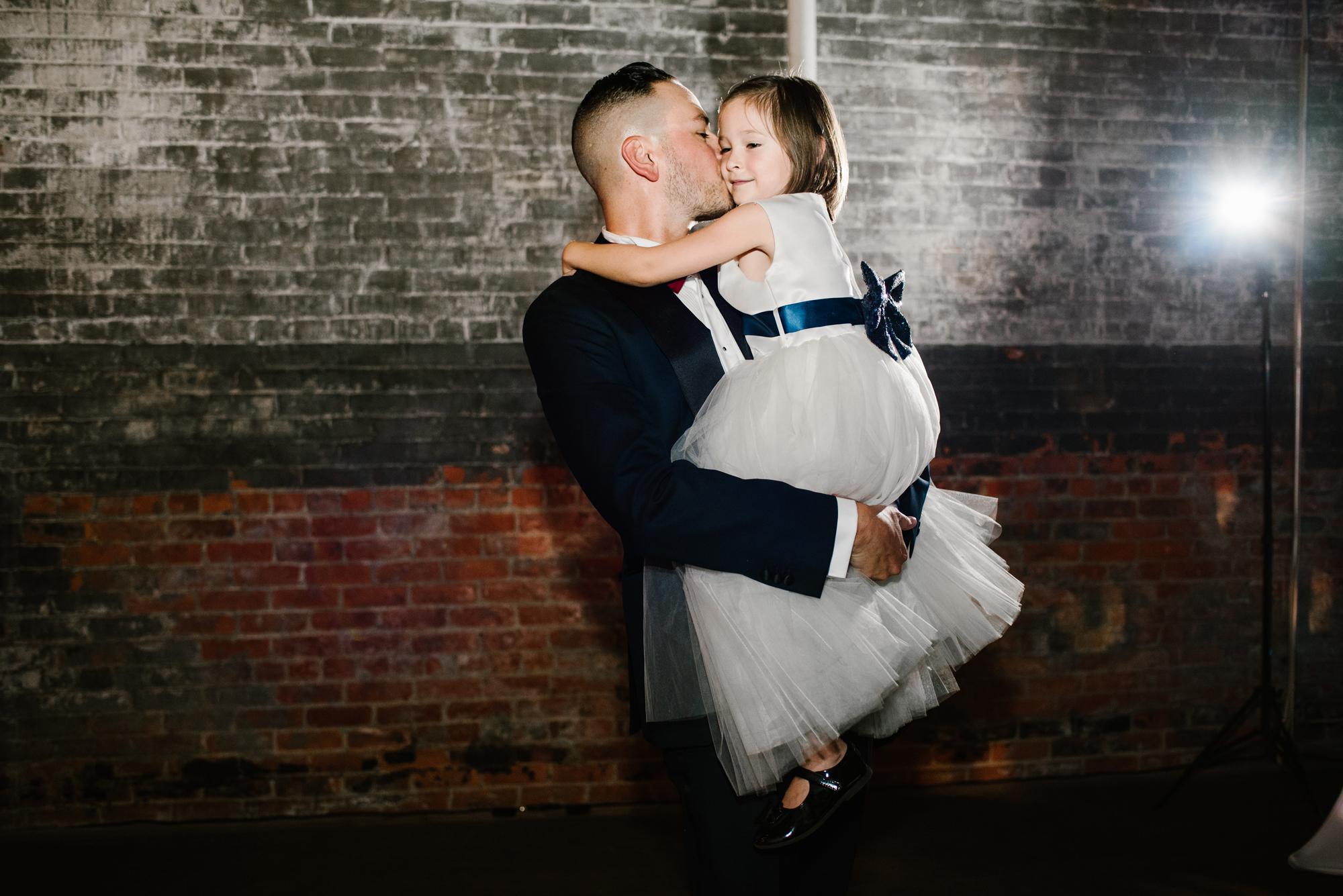 detroit-michigan-eastern-market-loft-wedding-sydney-marie (389).jpg
