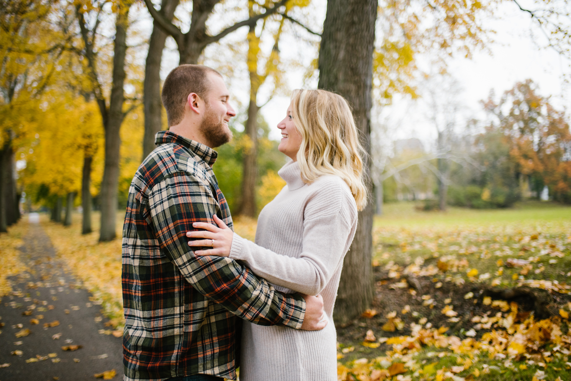 south-bend-indiana-fall-engagement-photographer-sydney-marie (22).jpg