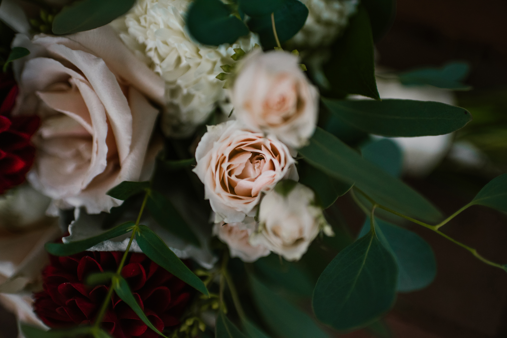 blue-dress-barn-benton-harbor-michigan-wedding-photographer (5).jpg