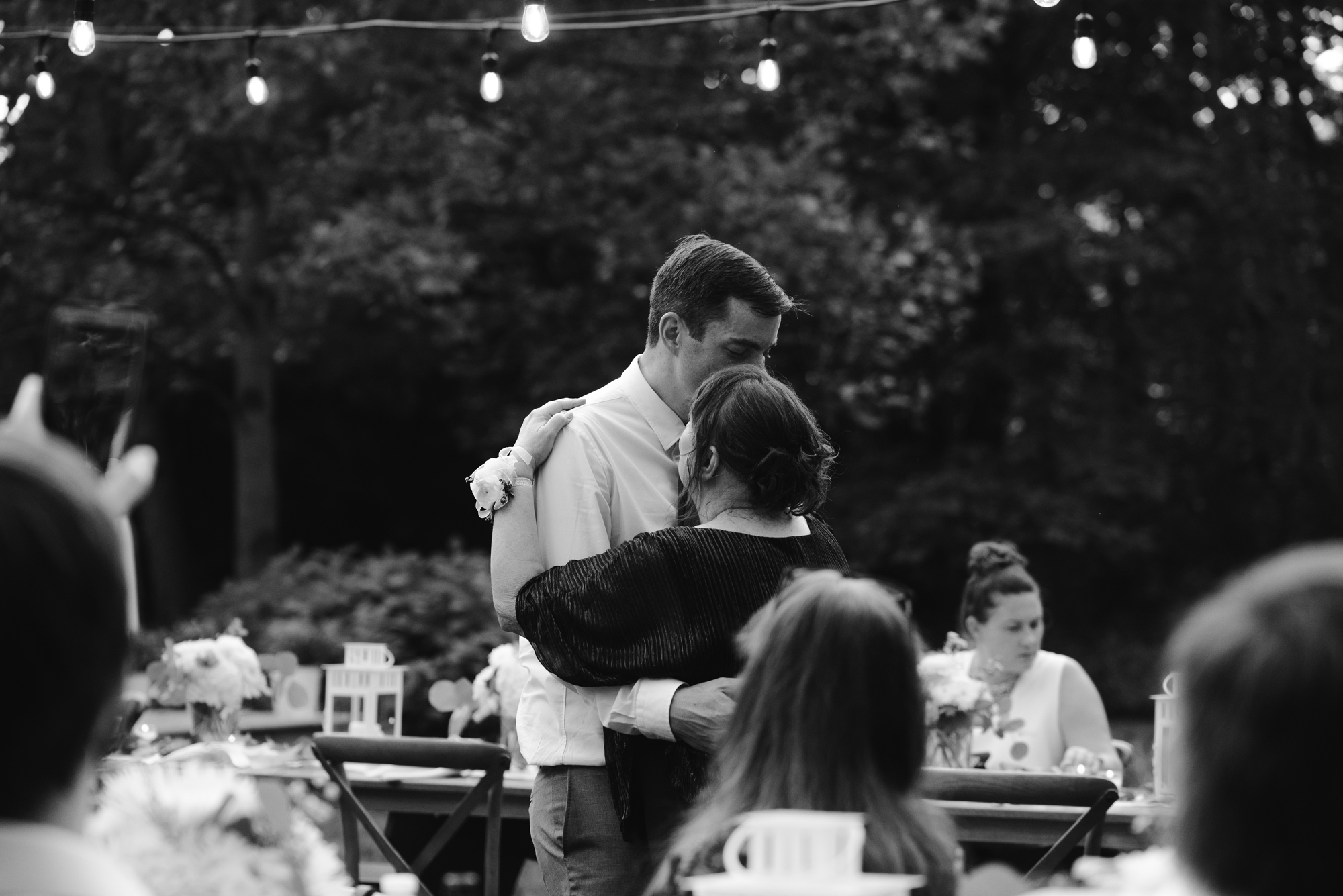 sawyer-michigan-backyard-wedding-dancing-pictures-sydney-marie (7).jpg