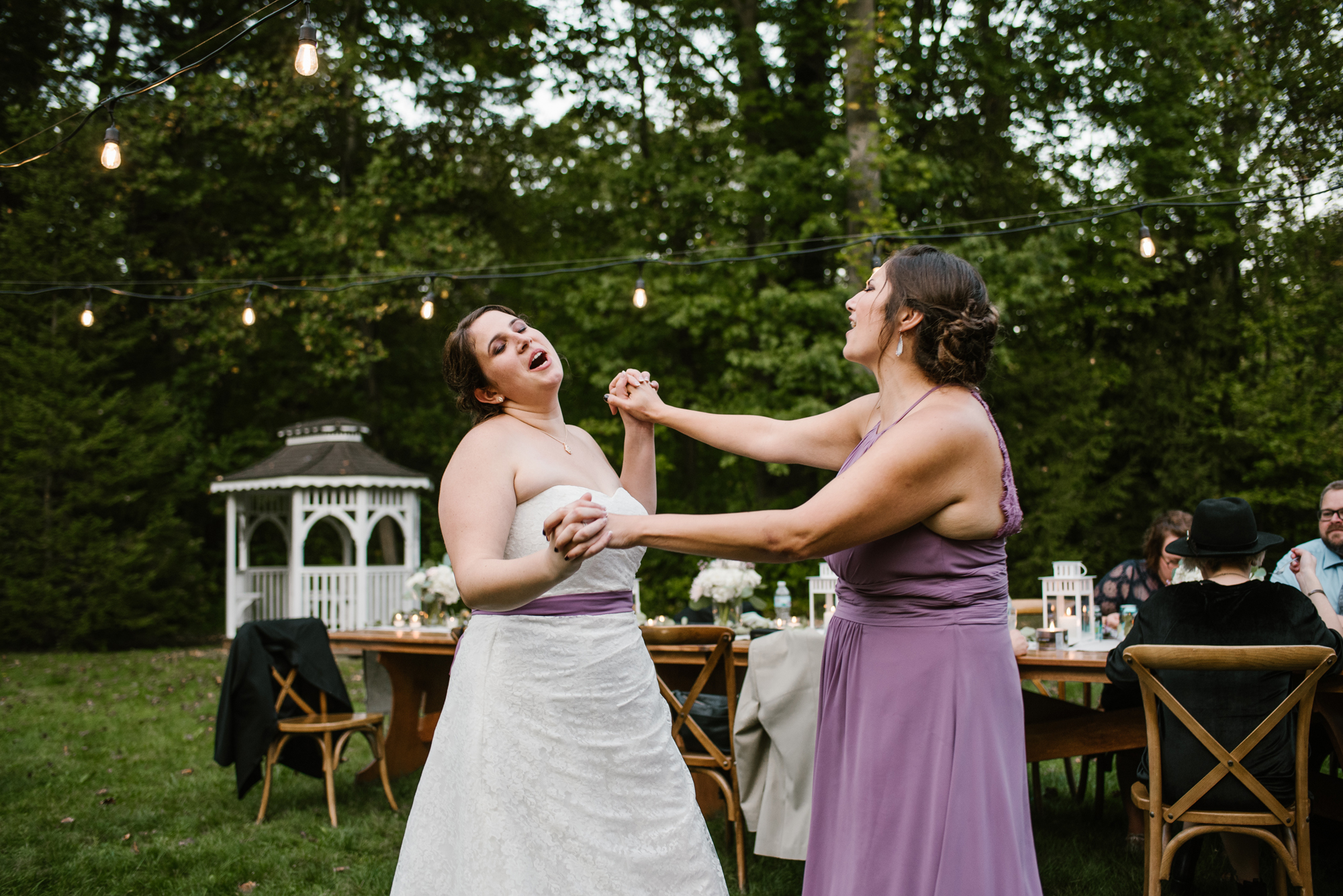 sawyer-michigan-backyard-wedding-dancing-pictures-sydney-marie (10).jpg