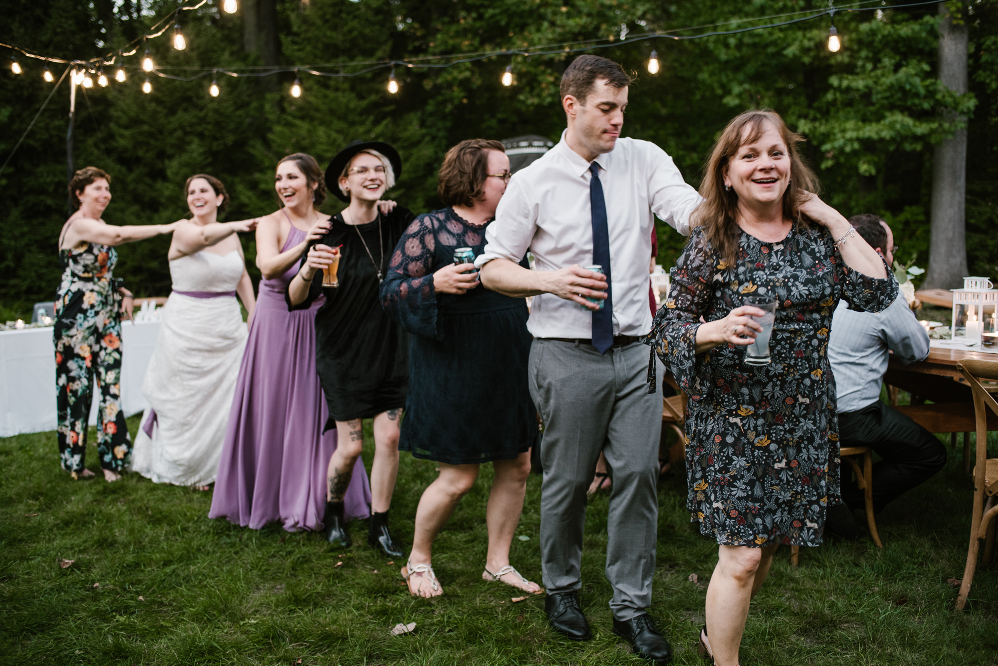 sawyer-michigan-backyard-wedding-dancing-pictures-sydney-marie (11).jpg