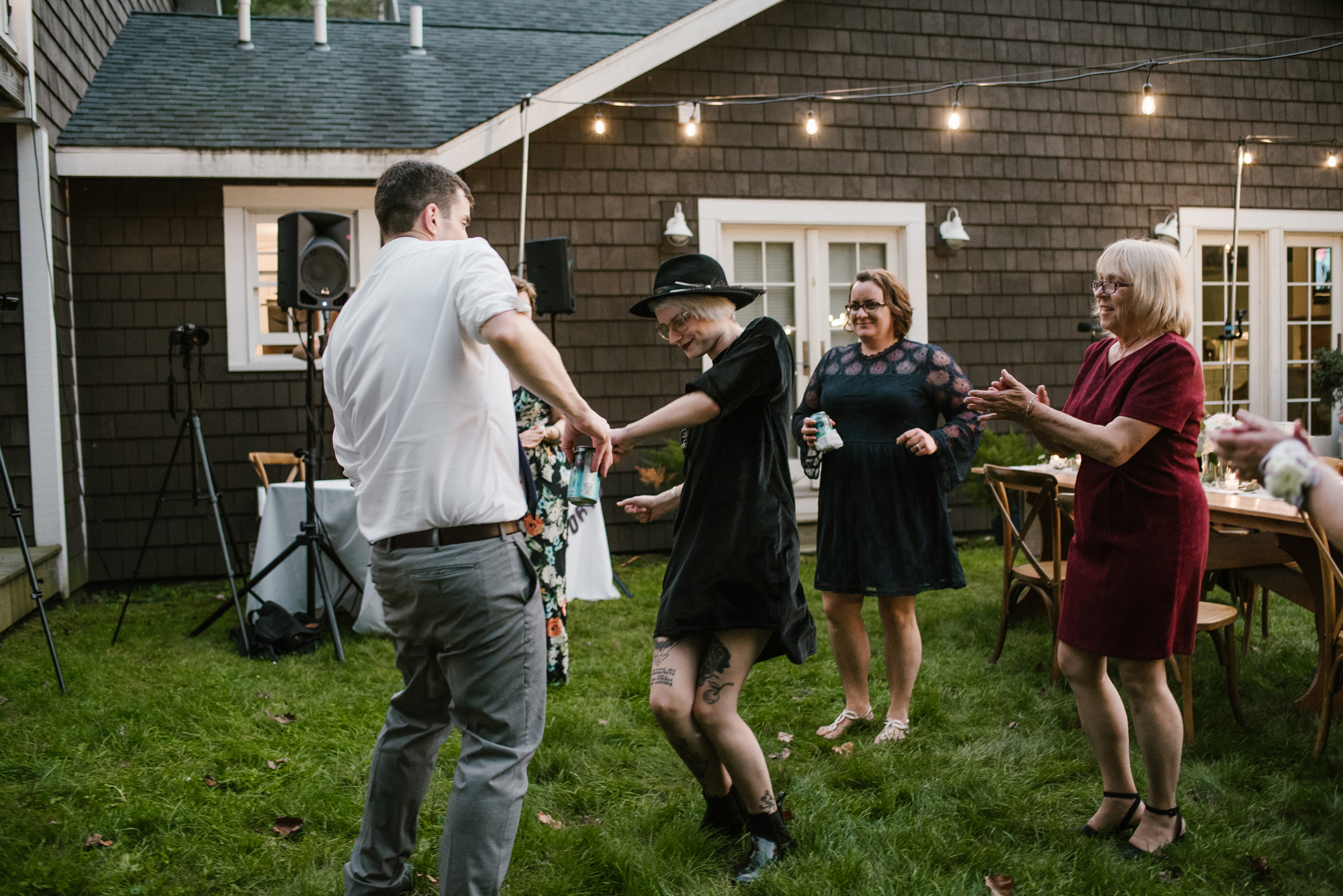 sawyer-michigan-backyard-wedding-dancing-pictures-sydney-marie (15).jpg