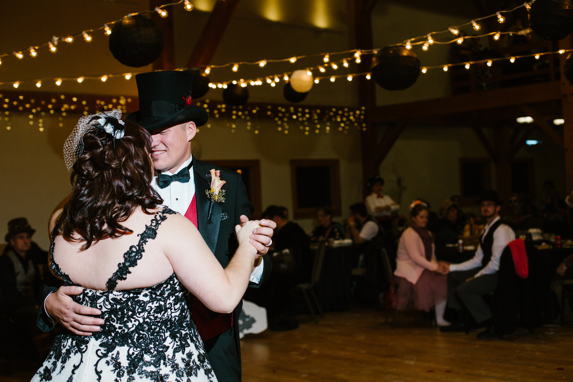 ann-arbor-michigan-halloween-themed-wedding-dancing-photos (18).jpg