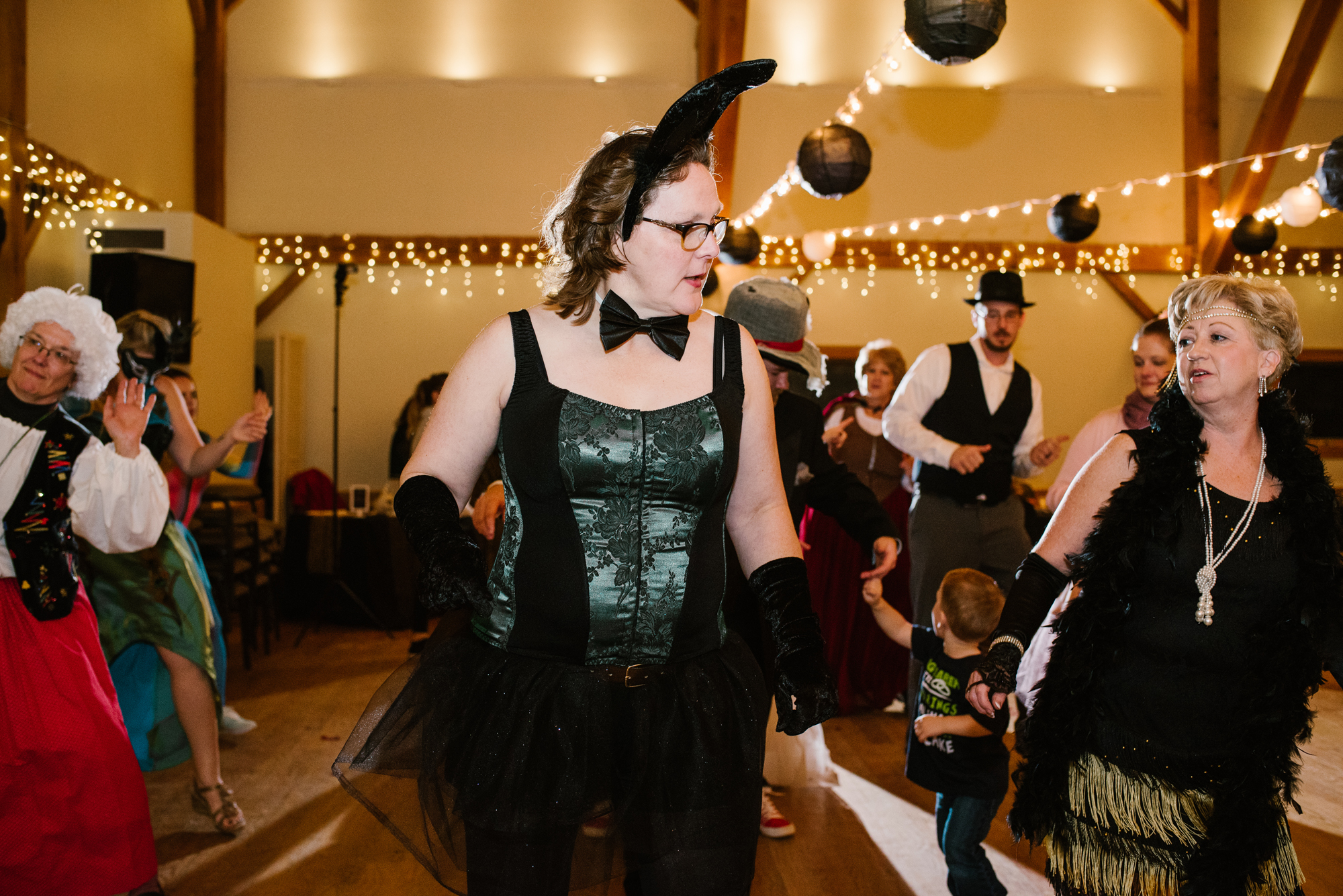 ann-arbor-michigan-halloween-themed-wedding-dancing-photos (5).jpg