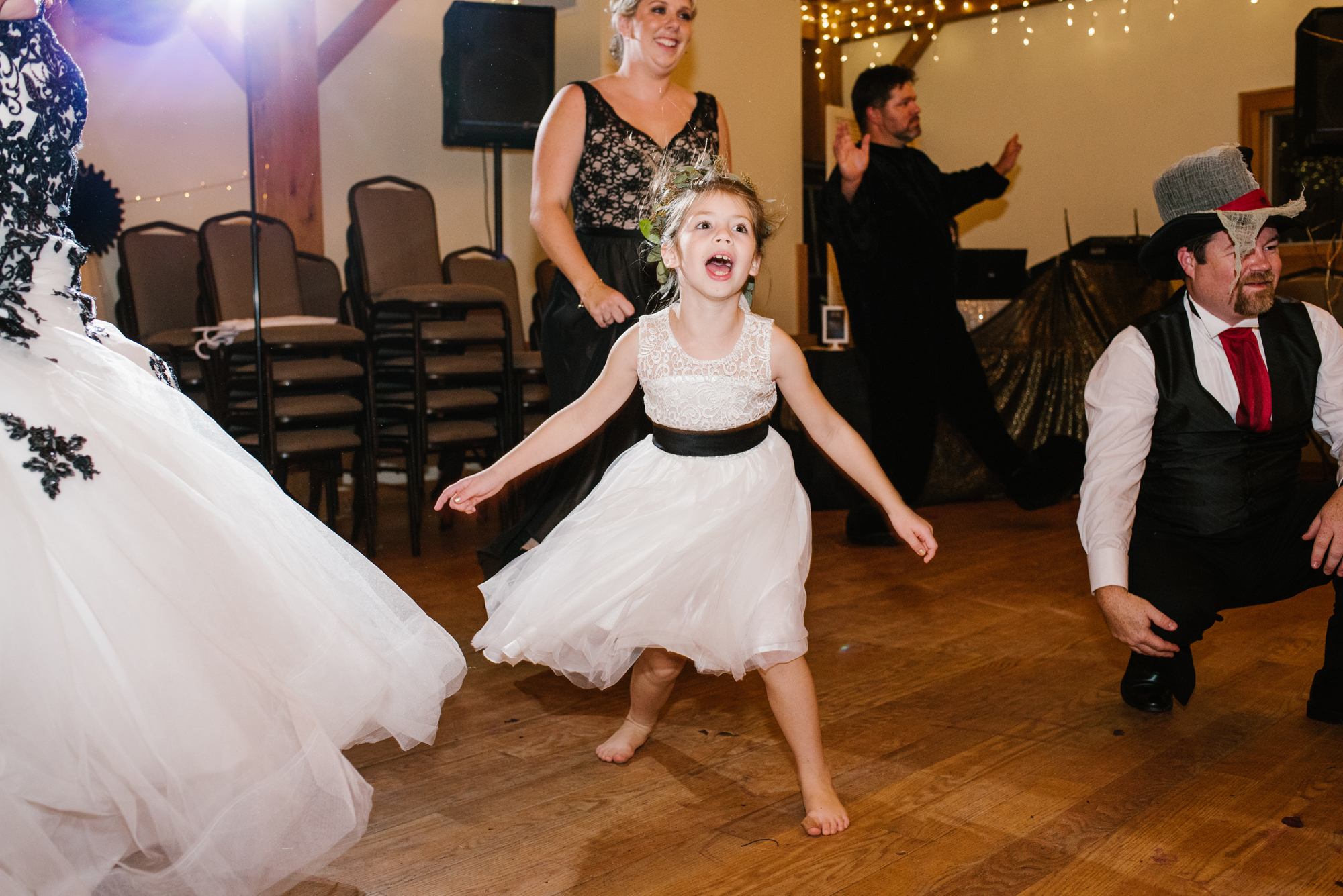 ann-arbor-michigan-halloween-themed-wedding-dancing-photos (13).jpg