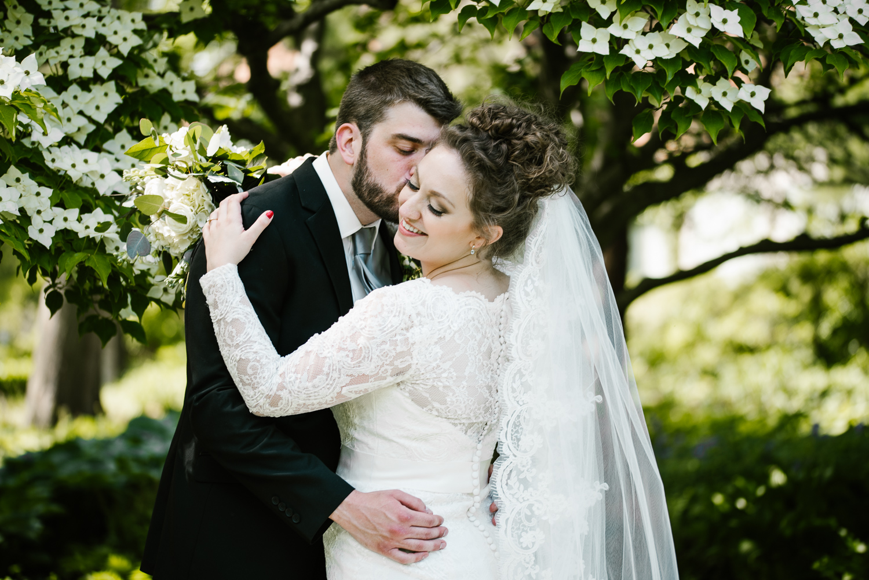 east-lansing-michigan-state-university-msu-kellogg-center-wedding-sydney-marie-26.jpg
