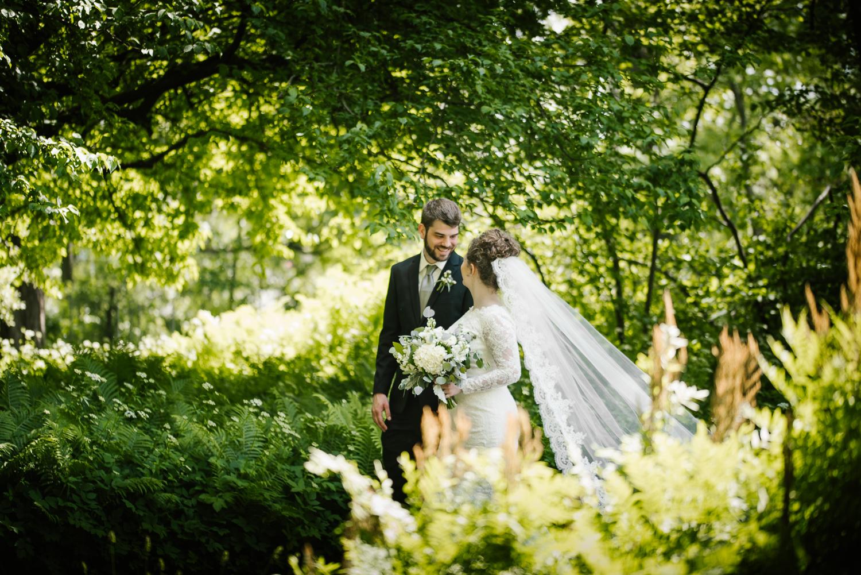 east-lansing-michigan-state-university-msu-kellogg-center-wedding-sydney-marie-30.jpg
