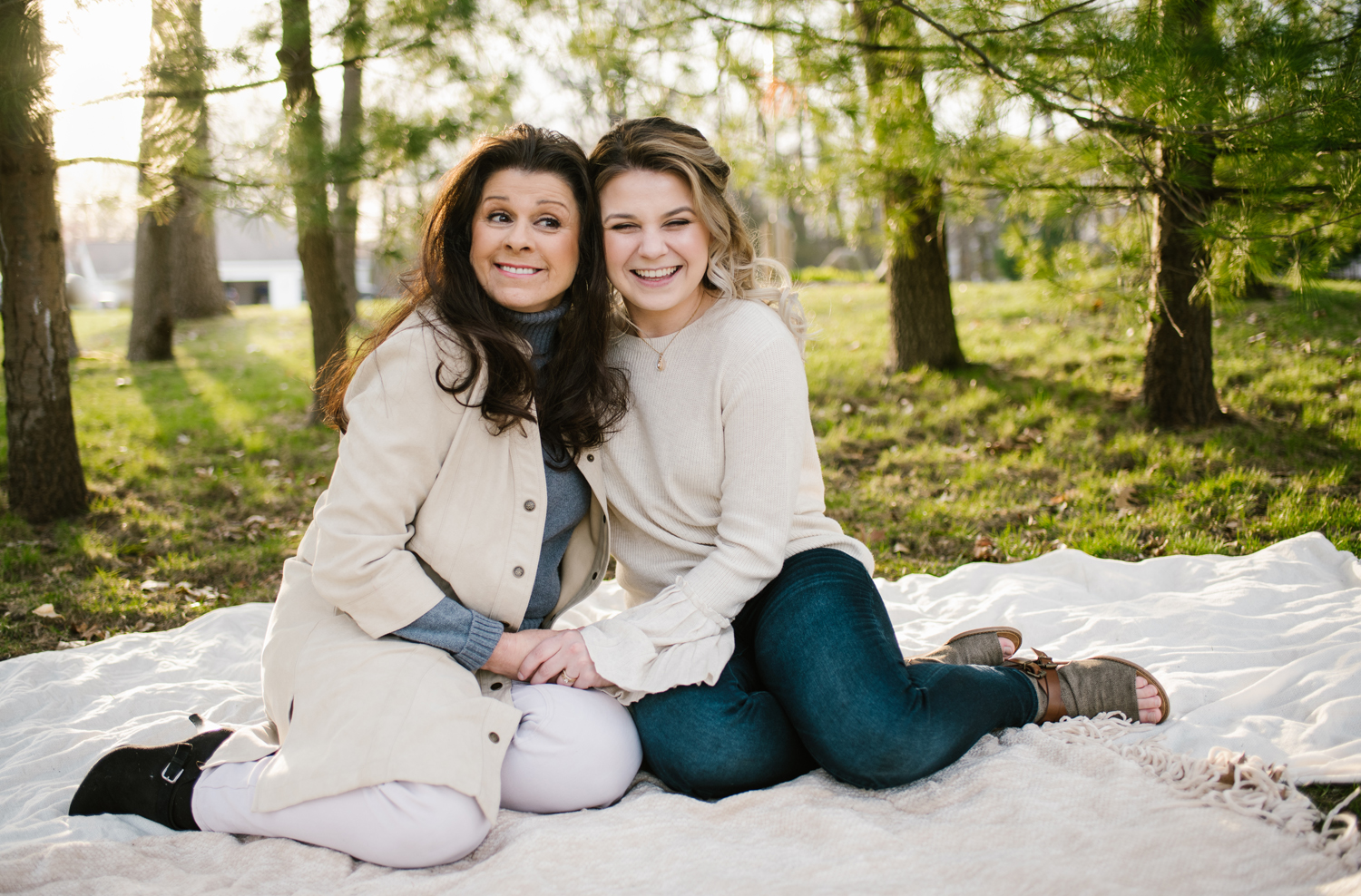 grand-haven-michigan-mothers-day-family-session (95).jpg