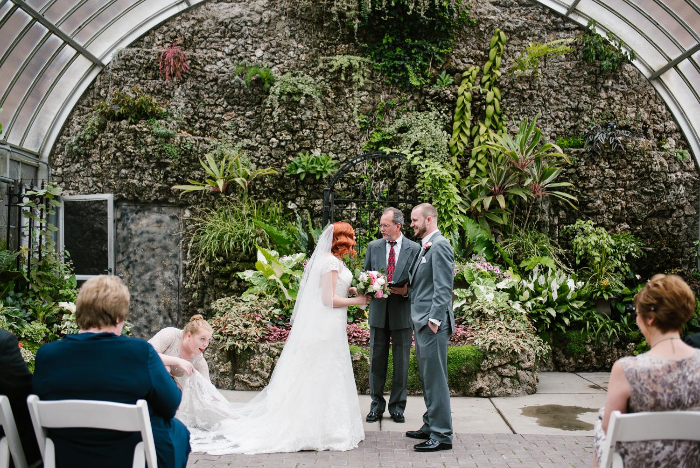 detroit-michigan-belle-isle-wedding-photographer (41).jpg