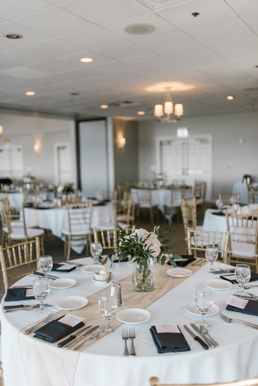 muskegon-country-club-michigan-june-wedding-photography (554).jpg