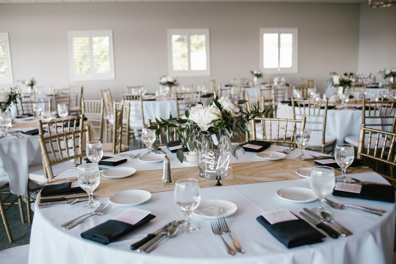 muskegon-country-club-michigan-june-wedding-photography (559).jpg