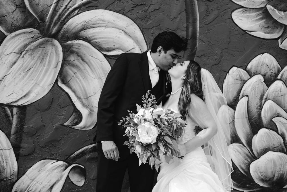 holland-michigan-wedding-photographer (78).jpg