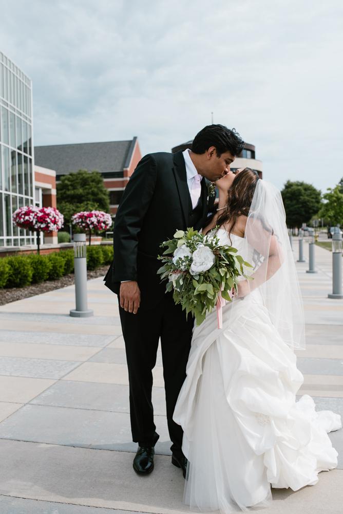 holland-michigan-wedding-photographer (103).jpg