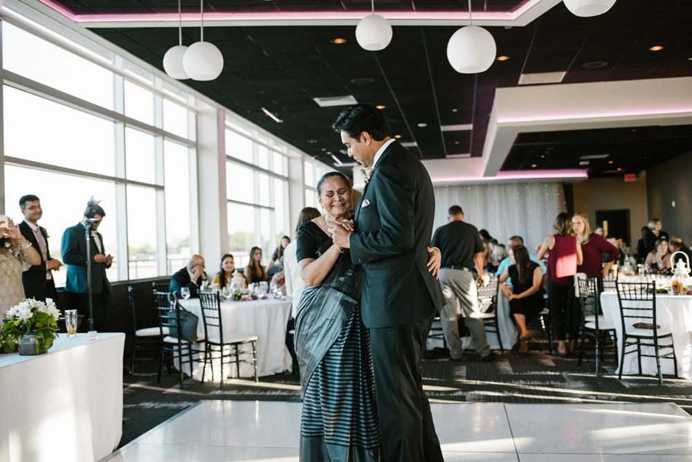 holland-michigan-wedding-photographer (280).jpg