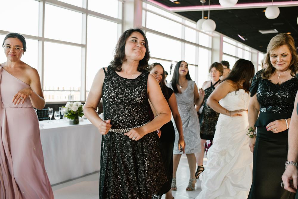 holland-michigan-wedding-photographer (323).jpg