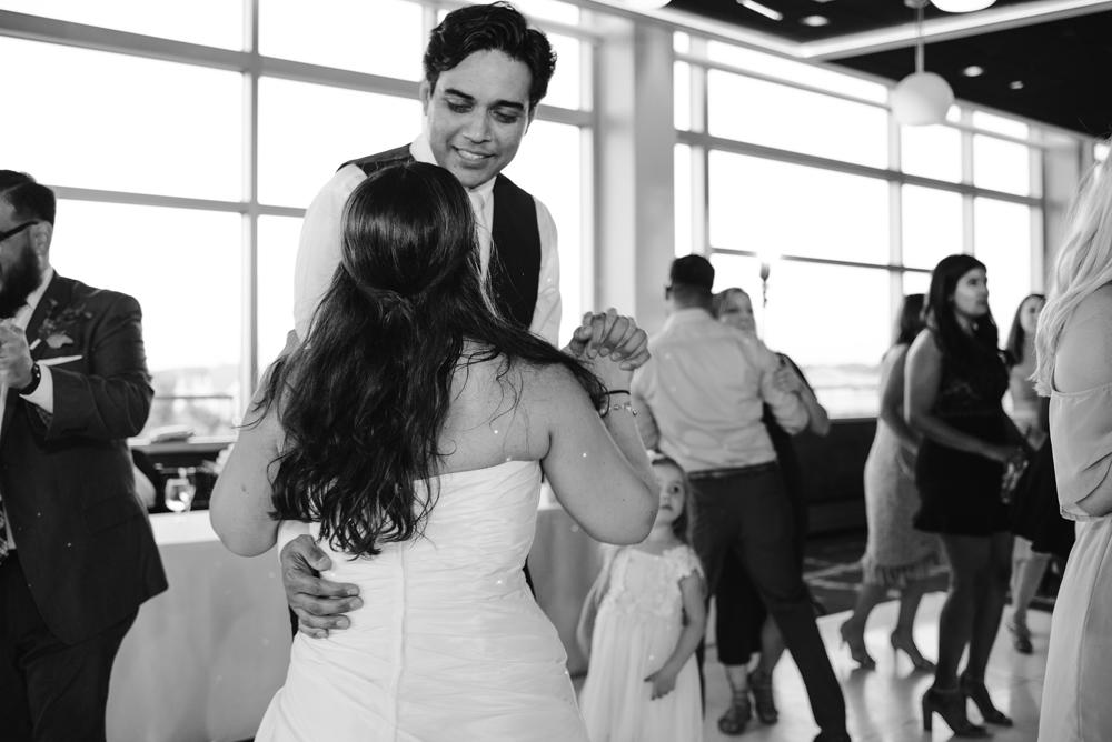 holland-michigan-wedding-photographer (395).jpg