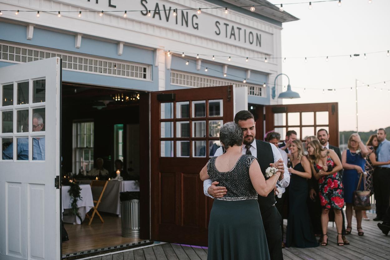 Elberta-Life-Saving-Station-Northern-Michigan-Wedding-Photographer (119).jpg