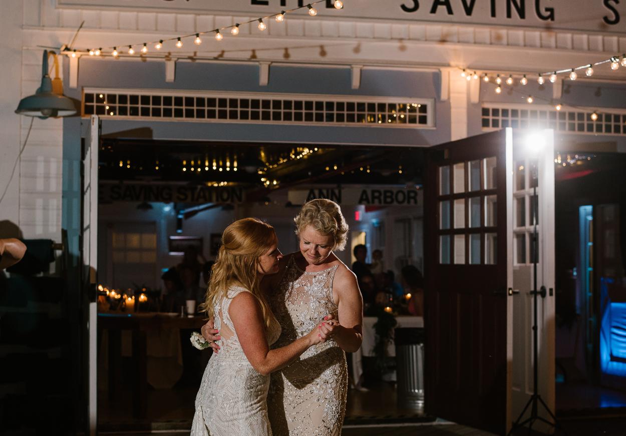 Elberta-Life-Saving-Station-Northern-Michigan-Wedding-Photographer (132).jpg