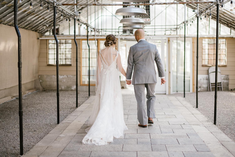 goldner-walsh-greenhouse-wedding-detroit-michigan-photographer (12).jpg