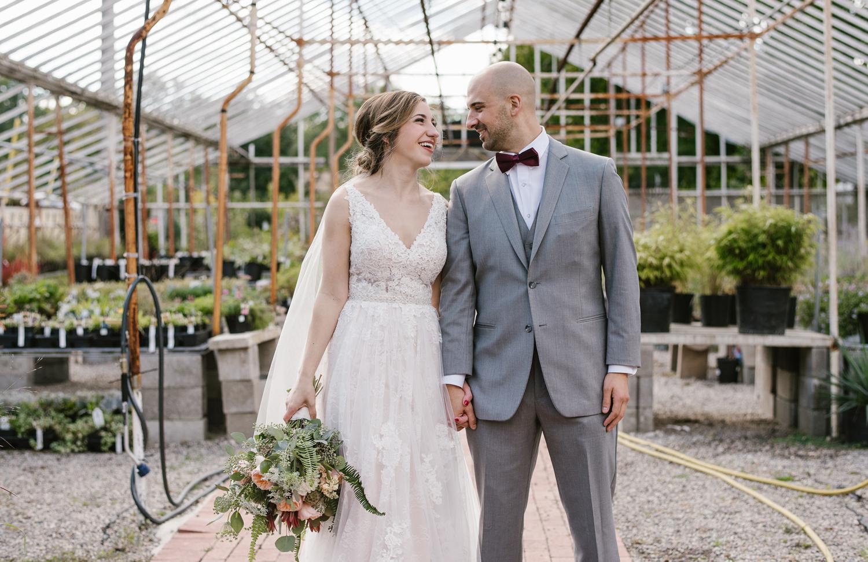 goldner-walsh-greenhouse-wedding-detroit-michigan-photographer (37).jpg