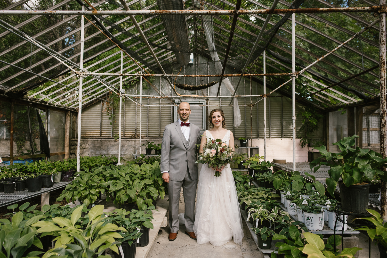 goldner-walsh-greenhouse-wedding-detroit-michigan-photographer (42).jpg