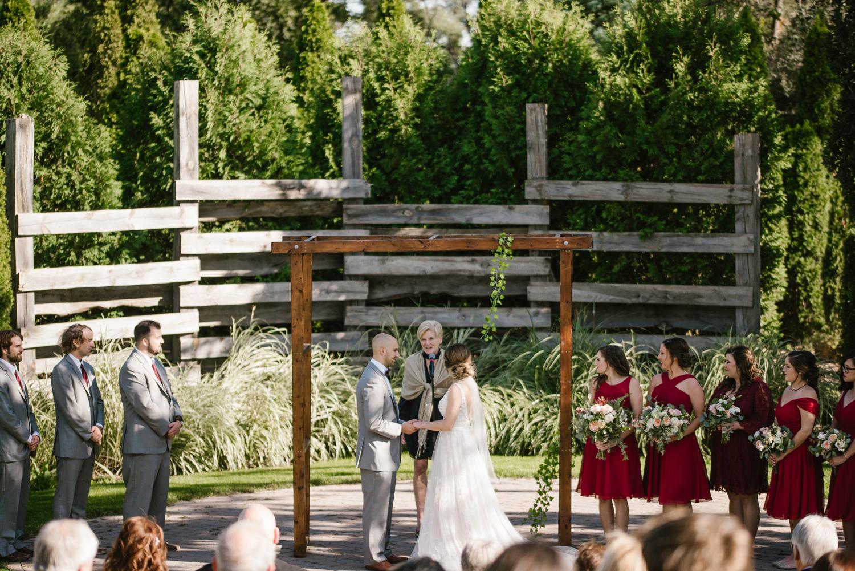 goldner-walsh-greenhouse-wedding-detroit-michigan-photographer (73).jpg
