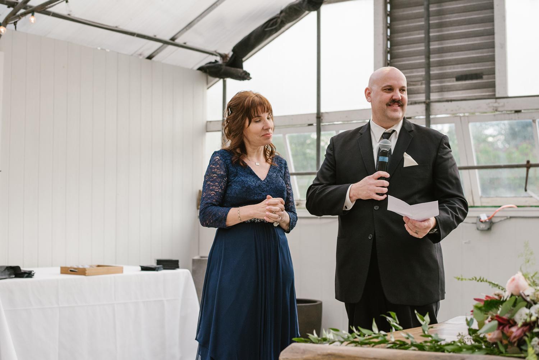 goldner-walsh-greenhouse-wedding-detroit-michigan-photographer (118).jpg