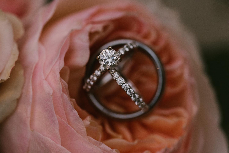 goldner-walsh-greenhouse-wedding-detroit-michigan-photographer (120).jpg