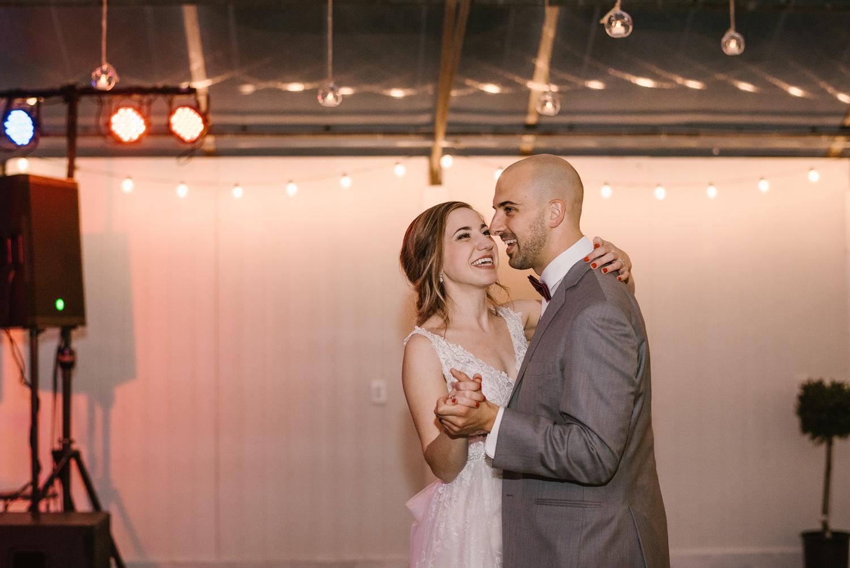 goldner-walsh-greenhouse-wedding-detroit-michigan-photographer (125).jpg
