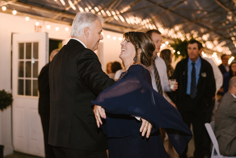 goldner-walsh-greenhouse-wedding-detroit-michigan-photographer (130).jpg