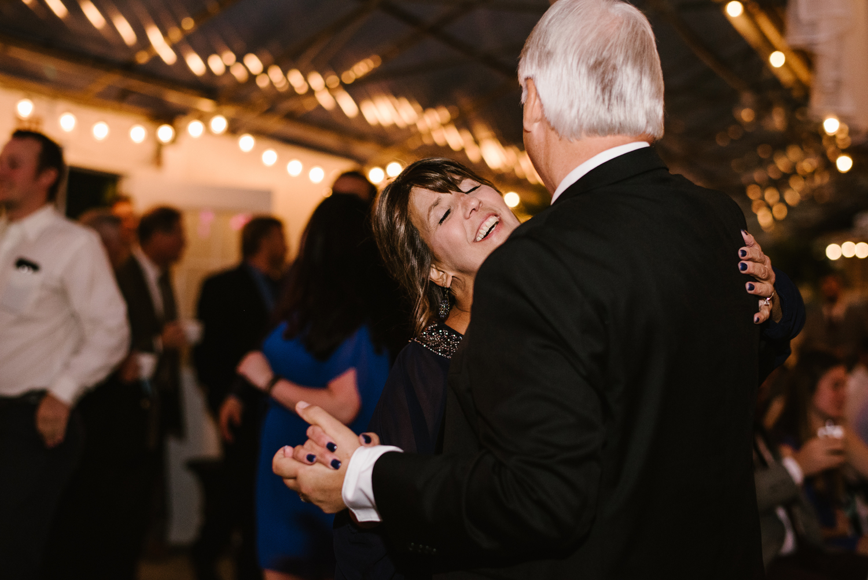 goldner-walsh-greenhouse-wedding-detroit-michigan-photographer (131).jpg