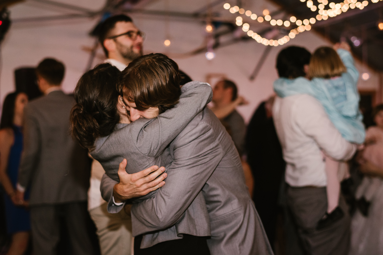 goldner-walsh-greenhouse-wedding-detroit-michigan-photographer (135).jpg