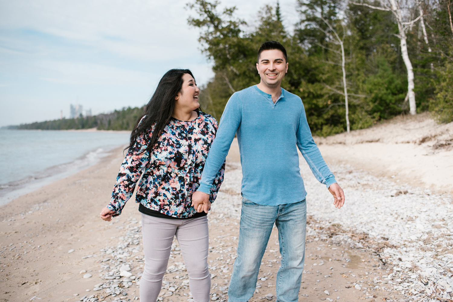 charlevoix-michigan-beach-engagement-session-sydney-marie-northern-michigan-photographer (48).jpg
