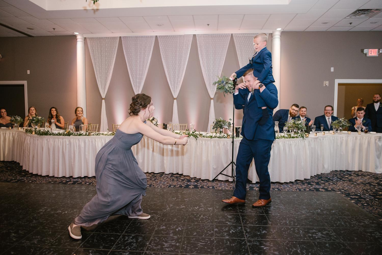 valparaiso-indiana-aberdeen-manor-wedding-photographer (113).jpg
