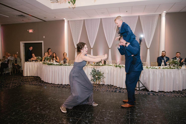 valparaiso-indiana-aberdeen-manor-wedding-photographer (114).jpg