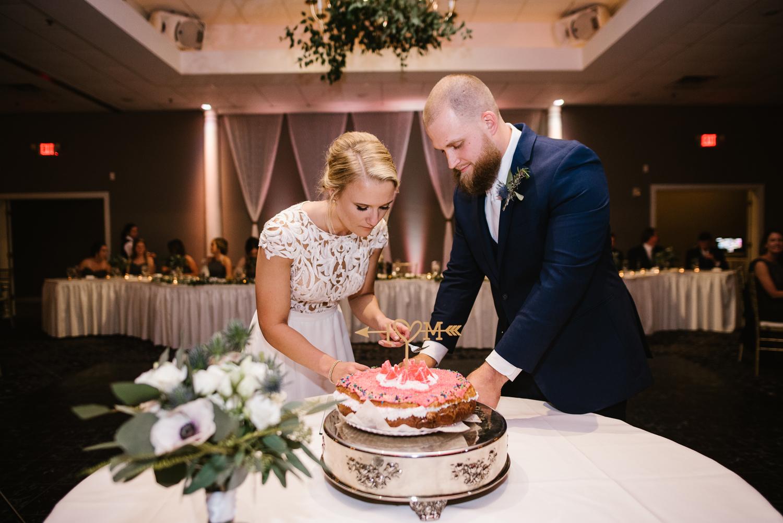 valparaiso-indiana-aberdeen-manor-wedding-photographer (121).jpg