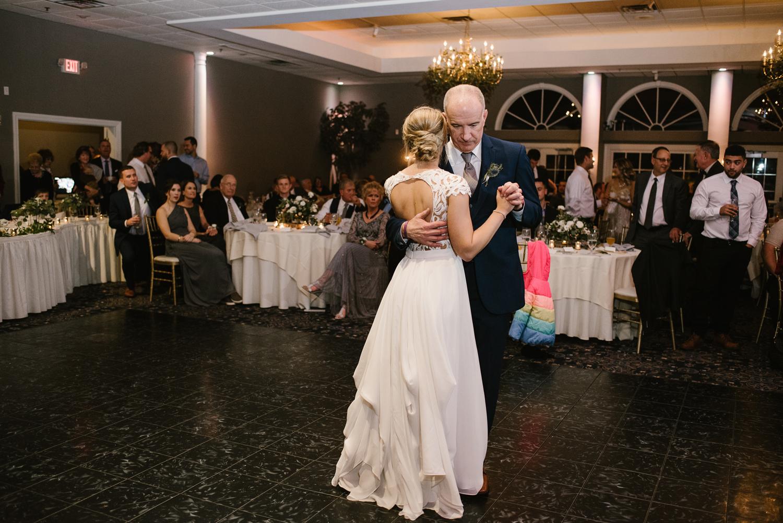valparaiso-indiana-aberdeen-manor-wedding-photographer (144).jpg