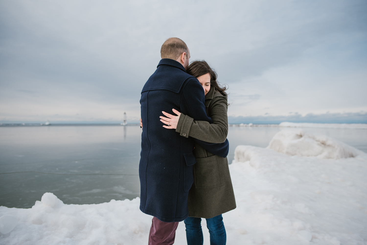 frankfort-michigan-winter-engagement-session (31).jpg