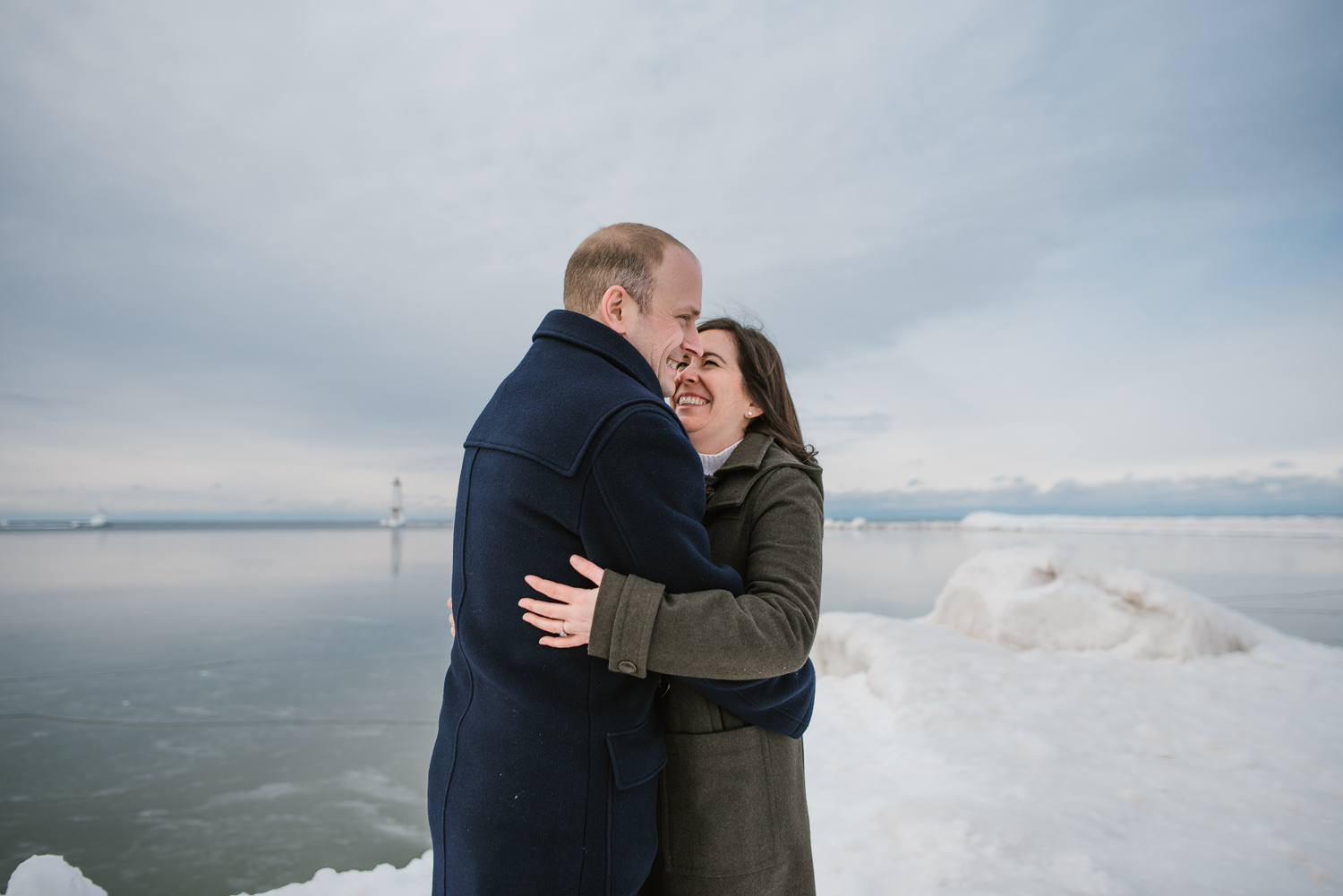 frankfort-michigan-winter-engagement-session (32).jpg