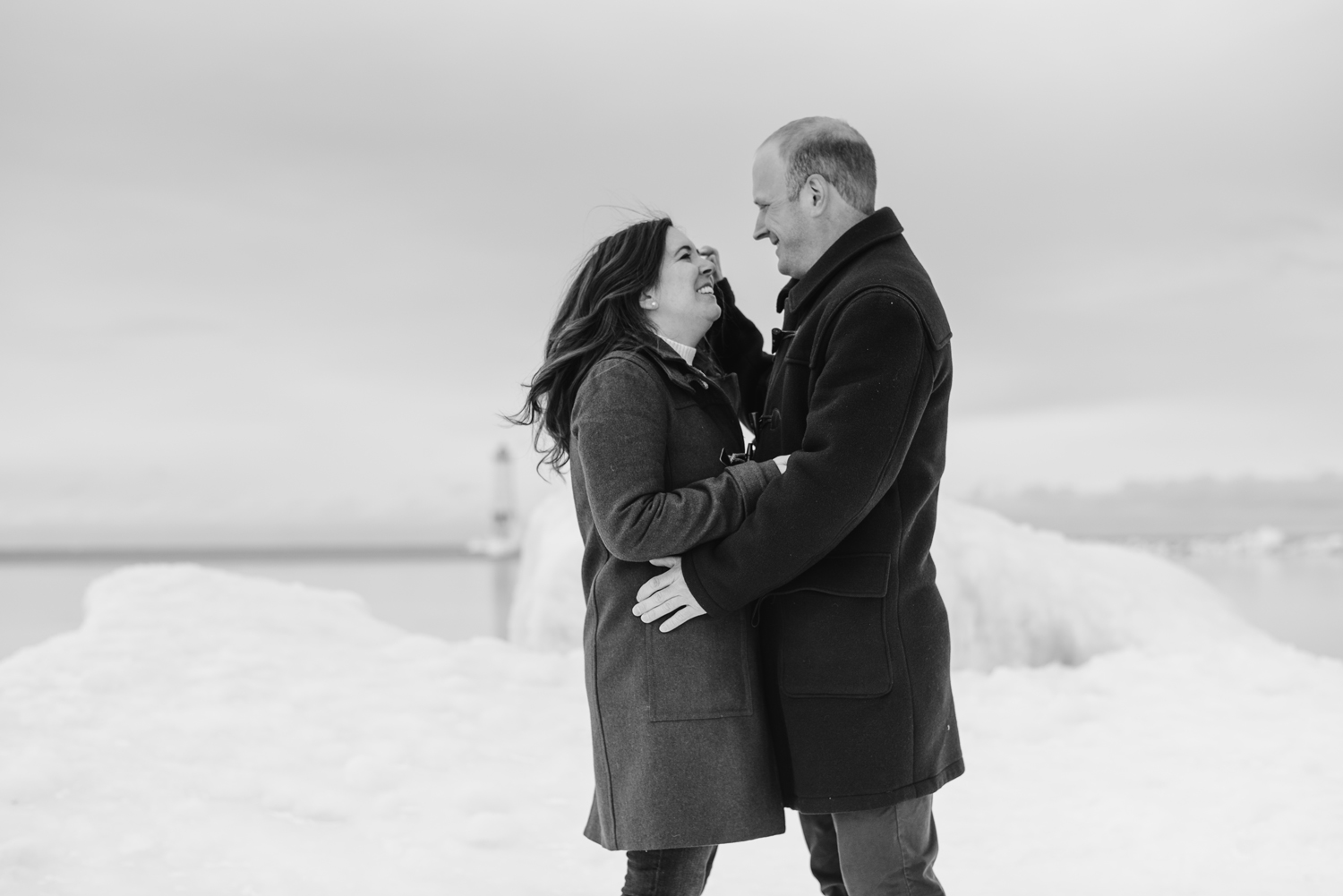 frankfort-michigan-winter-engagement-session (38).jpg