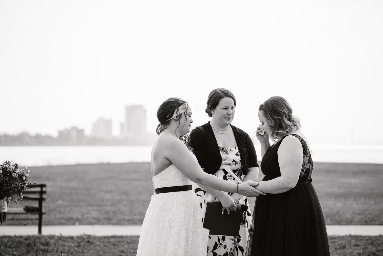 detroit-michigan-lgbt-wedding-photographer (60).jpg