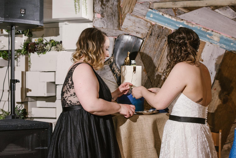 detroit-michigan-lgbt-wedding-photographer (118).jpg