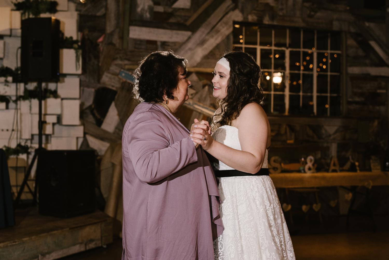 detroit-michigan-lgbt-wedding-photographer (130).jpg