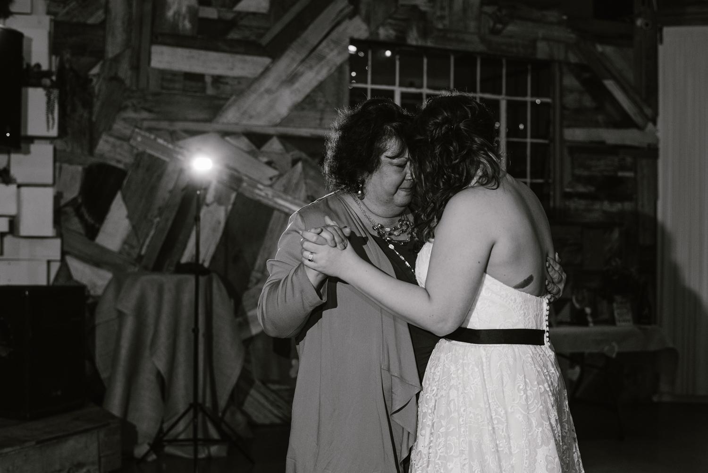 detroit-michigan-lgbt-wedding-photographer (134).jpg