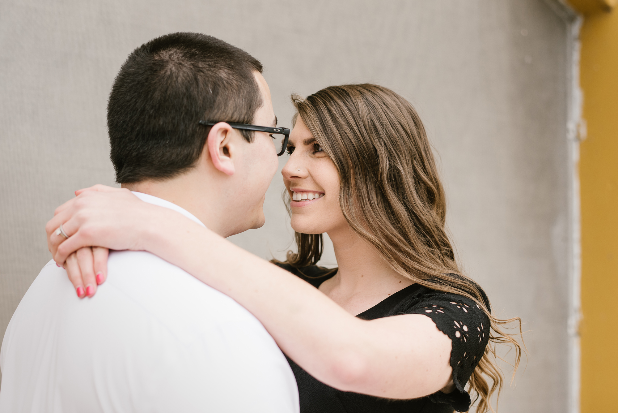 grand-rapids-downtown-spring-engagement-session (12).jpg